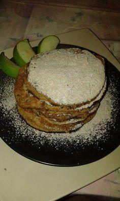 Homoktövises almás palacsinta a fitt vonalakért. Természetesen homoktövis húsliszt hozzáadásával készült, így még egészségesebb. Fitt, Pancakes, Breakfast, Desserts, Morning Coffee, Deserts, Crepes, Pancake, Dessert