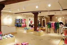 FINKID children clothing concept store by The Store Designers, Erfurt kids store design Visual Merchandising, Led T8, Clothing Store Design, Clothing Stores, Kids Studio, Kids Clothes Patterns, Retail Store Design, Branding, Kids Store