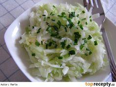 Kedlubnový salát s okurkou Coconut Flakes, Low Carb Recipes, Salad Recipes, Potato Salad, Cabbage, Grains, Spices, Vegetables, Ethnic Recipes