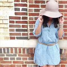 Loving this adorable chambray dress @court_robinsonn found at TJ's. The perfect wear-anywhere, summertime dress!