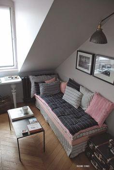 Micro-apartment: 12 square meter apartment in Paris.  Appartement studio 12 m2 dans le marais paris