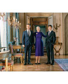 Royal-News : Kronprinz Frederik, Königin Margrethe und Prinz Christian Royal News, Royal Family News, Denmark Royal Family, Danish Royal Family, Prinz Carl Philip, Prinz William, Corsage, New My Royals, Prince Christian Of Denmark