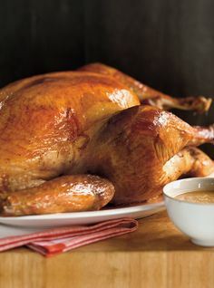 Dinde rôtie frottée au sel Recettes | Ricardo Roast Turkey Recipes, Ricardo Recipe, Rich In Protein, Cooking Turkey, Roasted Turkey, Chicken Seasoning, Appetisers, Holiday Recipes, Food And Drink