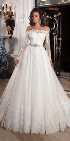 212.40  Elegant Tulle Off-the-Shoulder Neckline Ball Gown Wedding Dresses  with Lace Appliques 97981a1e3b26