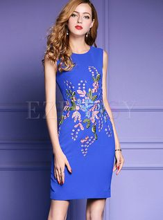 Shop Elegant Embroidery Sleeveless Skinny Dress at EZPOPSY. Embroidery On Clothes, Embroidery Fashion, Embroidery Dress, Couture Dresses, Fashion Dresses, Hand Painted Dress, Frock For Women, Mexican Dresses, Beautiful Dresses