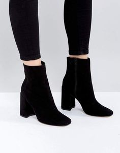 2e8cfc126581 Discover women s fashion online with ASOS. The latest clothing