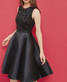 corpete bordado vestido cheio