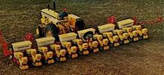 MINNEAPOLIS-MOLINE 12-Row Planter behind a G1000 Antique Tractors, Vintage Tractors, Vintage Farm, Farm Tools, Agriculture, Farming, Type 3, Logging Equipment, Heavy Equipment