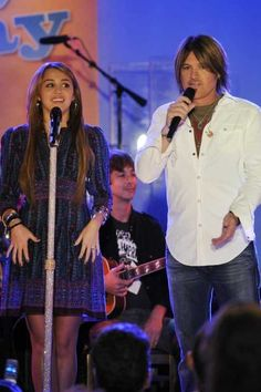 Miley Cyrus and Billy Ray Cyrus Live on Good Morning America