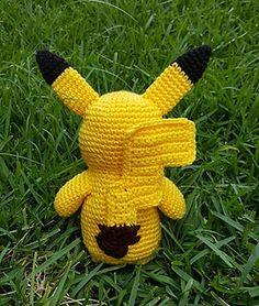 Pokemon Crochet Pattern, Pikachu Crochet, Crochet Penguin, Crochet Animal Amigurumi, Crochet Animals, Amigurumi Patterns, Crochet Toys, Crochet Patterns, Rainbow Loom Storage