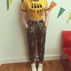 Hippie boho vintage retro 60's 70's: green Paisley heigh waisted trousers. They have an elastic waist, so will fit anyone from size 6-10. They are straight leg, but I tie them at the ankles to make them tapered  PM ME TO BUY!