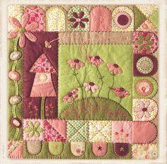 In My folkart garden. Penny rug de The Cinnamon Patch en www.lacasinaroja.com