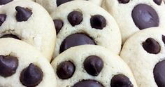 These bear paw cookies are not just fun but SO easy! This is one of those things that make you go, why didn't I think of this sooner? All yo. Bear Paw Cookies Recipe, Picture Walls, Espresso Powder, Semi Sweet Chocolate Chips, Bear Paws, Cheesecakes, Brown Sugar, Baking Soda, Cookie Recipes