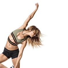 Get it all done in record time with supermoves that firm, burn, flatten, and crank up your cardio.