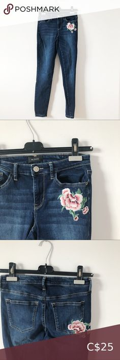 3/20$ R jeans embroidery denim skinny jeans Embroidery flowers in front pocket and back pocket Mid rise skinny jeans Size 26 Great worn condition r jeans Jeans Skinny Colored Skinny Jeans, White Skinny Jeans, Mid Rise Skinny Jeans, Ripped Skinny Jeans, Distressed Skinny Jeans, American Eagle Skinny Jeans, Light Blue Jeans, Denim And Supply, Frame Denim