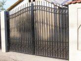 Fier Forjat » Modele Porti si Garduri » Model 36PG24 Producator: S.C. VIDAS MET S.R.L. - Brazi - Prahova Grill Gate Design, Main Gate, Wrought Iron Gates, Rail Fence, Insta Photo, Signs, Stairs, Patio, Istanbul