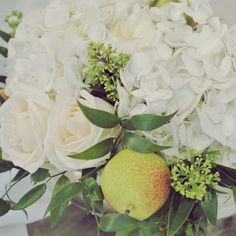 awesome vancouver florist Custom made classic white and arrangements with juicy pear! #valleyflorals #vancitybuzz #flowersarrangement #white #classic #dreamy #pear #fruit #pear #garden #flowers by @valleyflorals  #vancouverflorist #vancouverflorist #vancouverwedding #vancouverweddingdosanddonts