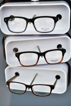 adf7f86a1e the one in the middle. Sara Alexander · My Style · I need new glasses ...