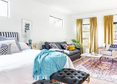 Interior Design Styles Quiz, Spring Cleaning Organization, Mismatched Furniture, Black Accent Walls, Bed With Drawers, Declutter Your Home, Furniture Arrangement, Interior Decorating, House