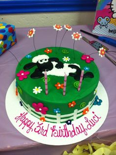 Luci's cute Shaun the Sheep birthday cake! (only took me 6 months to pin it! Ha!) from The Cake Company in Canyon, TX