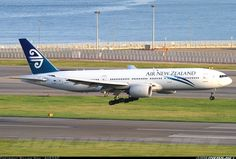 Boeing 777-219/ER aircraft picture