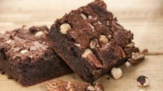 A simple recipe for chocolate protein cookies stuffed with white chocolate chips. Chocolate Brownie Cake, Chocolate Morsels, Chocolate Chip Cookies, Protein Cookie Recipe, Protein Cookies, Food Cakes, One Pot Beef Recipe, Brownie Recipes, Cake Recipes