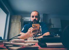 Man at work.... #instagram #work #schreibtisch #arbeit #posten #frontal #schreiben #handy #handyhülle