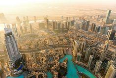 Vid det här laget vet du säkert att Dubai kryllar av pampiga lyxhotell. Kanske är du också medveten om att det finns en hel del härliga stränder att tillbringa dagarna på här. Därför känns det inte mer än rätt att tipsa om stadens allra bästa strandhotell där du efter endast ett fåtal steg kan känna sanden mellan tårna.