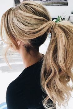 There are many choices of ponytail hairstyles that can be tried to enhance your appearance. From cute ponytails to high or low ponytail hairstyles, they can look messy, elegant and smooth. Cute Ponytail Hairstyles, Cute Ponytails, Down Hairstyles, Braided Hairstyles, Wedding Hairstyles, Perfect Hairstyle, High Ponytails, Hairstyles 2018, Homecoming Hairstyles