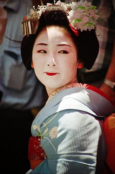 Maiko-san by Russmail, via Flickr