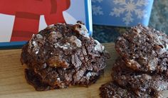 Can a vegan, gluten-free cookie that's packed with protein and fibre actually taste good? Gluten Free Almond Cookies, Easy Vegan Cookies, Easy Holiday Cookies, Vegan Christmas Cookies, Almond Meal Cookies, Chocolate Peppermint Cookies, Holiday Cookie Recipes, Gluten Free Chocolate, Almond Chocolate