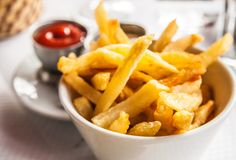 ¿Las patatas fritas no terminan de quedarte crujientes? ¿Quieres saber el truco para que esto no te vuelva a pasar? A partir de ahora y con estos sencillos
