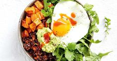 Looking for a healthy dinner? Try this Mexican bean and sweet potato bowl, topped with a fried egg and avocado. Vegetarian Recipes Dinner, Vegetarian Cooking, Dinner Recipes, Healthy Recipes, Meal Recipes, Healthy Salads, Recipies, Power Breakfast, Protein Packed Breakfast