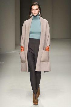 Salvatore Ferragamo Fall 2017 Ready-to-Wear Fashion Show - Vittoria Ceretti