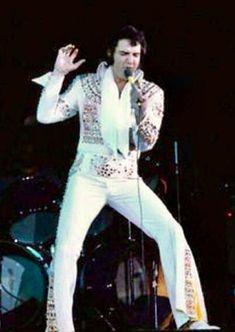 Elvis Presley Concerts, Elvis Presley Family, Elvis In Concert, Native American Pictures, Memphis, Jumpsuits, Egyptian, Flamingo, Vegas