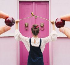 Thinsg I'm excited about for fall-Standing in front of a pink door in Notting Hill with forced perspective cherry power bar Cute Photography, Creative Photography, Portrait Photography, Creative Portraits, Creative Photos, Forced Perspective, Perspective Photography, Cute Poses, Photoshoot