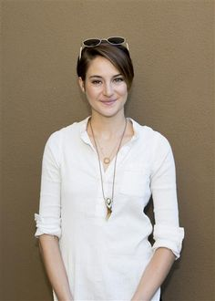 """1. She makes her own lotion, toothpaste and medicinesTalk about being self-sufficient. Shailene Woodley isn't into trendy, expensive beauty products and toiletries. The starlet told Flaunt Magazine that she makes, """"everything from my own toothpaste to my own body lotions and face oils."""" Plus, she creates her own medicines from herbs. Just call her Dr. Woodley …"""