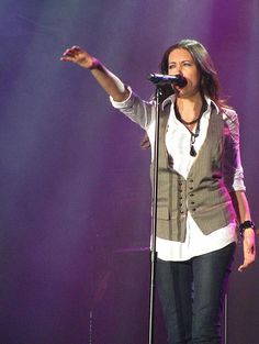 Francesca Battistelli- grew up here at Orlando Repertory Theatre Christian Music Artists, Christian Singers, Christian Artist, Francesca Battistelli, Jesus Music, Contemporary Christian Music, Praise And Worship, Live In The Now, Three Kids