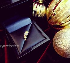 Raw diamond three stone ring in 14k yellow gold ring available at www.PigeonDynamite.etsy.com 天然原石ダイヤモンドリングは一点限定!アメーバからもブログチェックして下さいね#etsy#engagementring #rawdiamondring#oneofakindjewelry#oneofakindengagementring#handmadejewelry#madeinnyc#pigeondynamite #christmasgift#bridaljewelry#finejewelry#etsyjewelry#14kgold #アクセサリー #クリスマス #ジュエリー #エンゲージメントリング#指輪#婚約指輪#指輪#原石ダイヤモンド#ダイヤモンドリング#ダイアモンド#ファインジュエリー#ブライダルジュエリー#クリーマ#ゴールド#ニューヨーク#一点もの