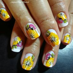Nail com Borboleta by Jaquelline Muniz.