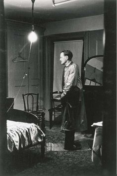 The Backwards Man in His Hotel Room - Diane Arbus, 1960 surreal modern art vintage photography