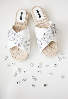 Easy Jewelled Sandals #DIY
