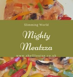 Is it a burger, is it a pizza? This Slimming World Meatzza recipe uses beef and pork mince for the base with lovely speedy veg on top. Slimming World Beef Recipes, Slimming World Pizza, Mince Recipes, Turkey Recipes, Pizza Recipes, Turkey Mince, Pork Mince, Beef Pizza, Recipe Using