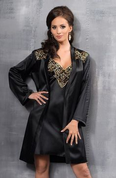 Looking for Irall Luna - Luxury Satin Dressing Gown in Black/Gold? Then Ennia Lingerie Online who specialise in sexy lingerie, womens underwear and bridal lingerie is your first choice for Irall Luna - Luxury Satin Dressing Gown in Black/Gold Satin Rouge, Satin Bleu, Satin Noir, Black Satin, Black Gold, Silk Satin, Satin Lingerie, Black Lingerie, Satin Dressing Gown