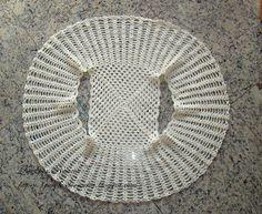 Bolerinho de crochet super fácil de ser feito. O passo-a-passo foi feito e disponibilizado por HOBILERIM ve BEN . São fotos ilustrativas ...