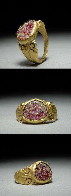Ancient Roman solid gold finger ring, set with glass intaglio, dating to approximately 200 A.D.