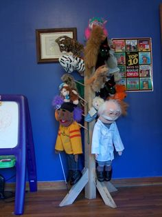 O gosh, I like these puppets for multiple reasons. 1. They could b used in child therapy & 2. My parents use to sell puppets, I think the same brand as pictured to b exact.