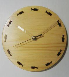 木工作品集 268 Woodcraft works portfolio 268 2015年 #さかな の #焼き印 の目盛りによる #木の時計 #wooden #clock with #burningstamp #fishes as its dial http://ift.tt/1Nq0R26