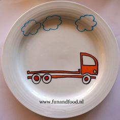 porselein beschilderen met porseleinstiften, bord met vrachtwagen web