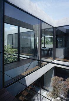 Still House, Yotsukaido City, Japan by Apollo Architects and Associates